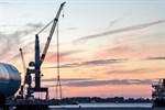 Liebherr-Schwerlastkran in Rostock offiziell in Betrieb genommen