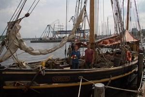 Die Nordlys ist das erste und älteste Schiff der Hanse Sail 2019 mit der jüngsten Kapitänin