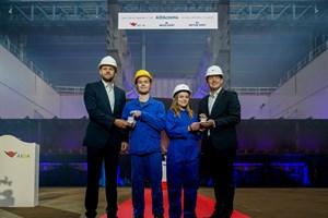 AIDAcosma - Kiellegung auf der Neptun Werft in Rostock-Warnemünde: Tim Meyer, Charleen Hoffmann, Kenny Schaft & Felix Eichhorn (v.l.n.r.)