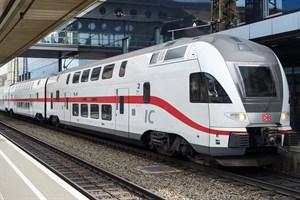 Dresden-Berlin-Rostock: Die DB setzt auf der neuen Linie moderne Doppelstockzüge ein. (Foto: DB/Priegnitz, Bearbeitung: N+P Industrial Design)