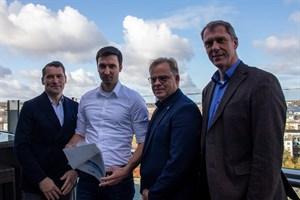 Kreuzfahrttourismus-Studie für Rostock vorgestellt: Jens A. Scharner von Rostock Port (v.l.), Hafen-Kapitän Falk Zachau, Hansjörg Kunze von Aida Cruises und Dr. Dirk Schmücker vom NIT