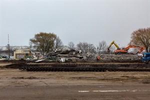 Vor ein paar Tagen stand noch ein kleiner Rest des alten Stellwerks in Warnemünde - inzwischen ist es komplett abgerissen