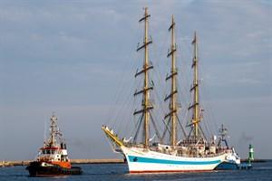 """Segelschulschiff """"Mir"""" in Warnemünde (Foto: Archiv)"""
