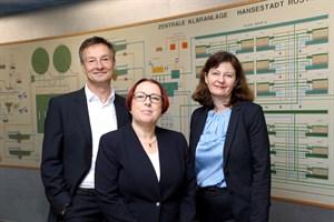 Ulf Altmann (technischer Geschäftsführer Nordwasser), Katja Gödke (Geschäftsführerin Warnow-Wasser- und Abwasserverband), Michaela Link (kaufmännische Geschäftsführerin Nordwasser) (v.l.n.r., Foto: Nordwasser GmbH)