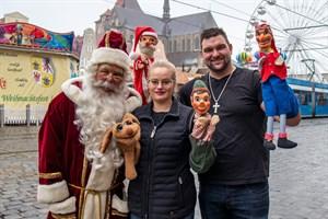 Weihnachtsmärchen mit dem Weihnachtsmann Falk Petersen und Puppentheater mit den Puppenspielern Julia Schultze und Joffrey Woitschack