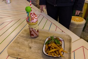 Freakshake und Fastfood - es gibt aber auch gesunde Alternativen im Familienrestaurant Kuddel-Muddel