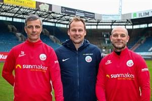 Hansa-Chef-Trainer Jens Härtel, Vorstand Sport Martin Pieckenhagen und Co-Trainer Ronny Thielemann (v.l.n.r., Foto: F.C. Hansa Rostock)