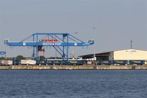 Umschlag im Überseehafen Rostock bleibt 2019 stabil (Foto: Archiv)