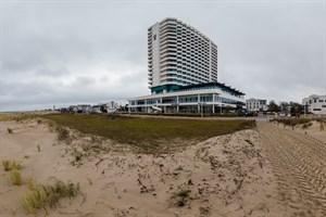 Auch die Graudüne vor dem Hotel Neptun in Warnemünde wurde stark zurückgeschnitten