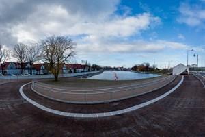 Warnemünder Oval: Neue Promenade am Alten Strom lädt zum Bummeln am Wasser ein