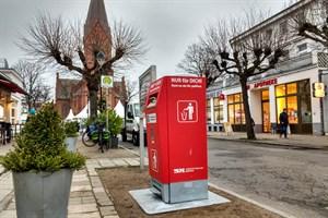Im letzten Jahr wurden die Solarpapierkörbe in Warnemünde getestet - hier in der Mühlenstraße (Foto: Archiv)