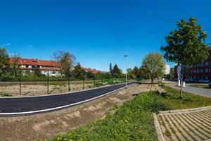 Der Radschnellweg verläuft zwischen Südstadt-Campus und Bahnstrecke