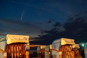 Der Komet C/2020 F3 Neowise vom Strand in Rostock-Warnemünde aus