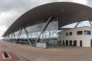 Das neue Kreuzfahrt-Terminal WCC8 in Warnemünde