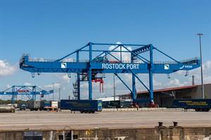 Weniger Fracht und Passagiere im Überseehafen Rostock (Foto: Archiv)