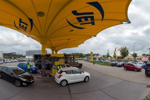 20 Liter Kraftstoff gab es heute gratis an der Jet-Tankstelle in Lütten Klein