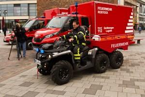 Das geländetaugliche All-Terrain-Vehicle (ATV) der Freiwilligen Feuerwehr Warnemünde soll am Strand und der Steilküste zum Einsatz kommen