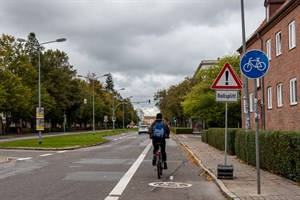 Neuer Radfahrstreifen in der Ulrich-von-Hutten-Straße