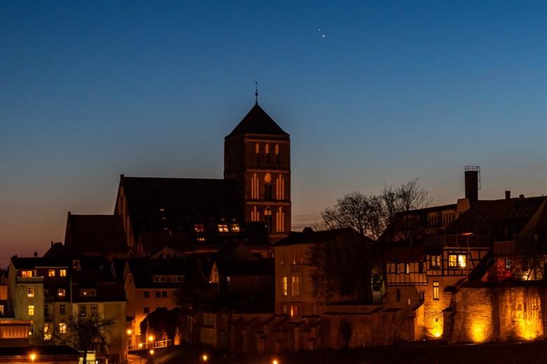 War es der Stern von Bethlehem?  Jupiter und Saturn sind sich schon sehr nahe - am Montag wird es eine gute Verbindung geben