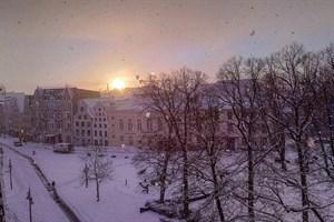 Schneedecke auf dem Uniplatz Rostock