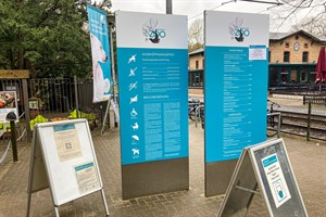 Luca-QR-Codes, wie hier vor dem Rostocker Zoo, werden in sozialen Netzwerken für Fake-Check-Ins missbraucht