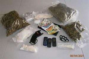 Knapp vier Kilogramm Drogen gefunden - Rostockerin in Haft