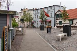 Abfallbehälterschränke in der Kirchenstraße Warnemünde