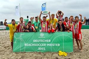 Deutsche Beachsoccer-Meisterschaft 2021 in Warnemünde: Die Beach Royals Düsseldorf erobern die Beachsoccer-Krone. (Foto: TZRW/Joachim Kloock)