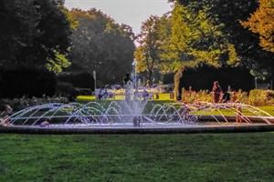 Der Brunnen im Rosengarten soll eine komplett neue Technik bekommen